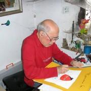 Romano Levi durante la creazione di un soggetto