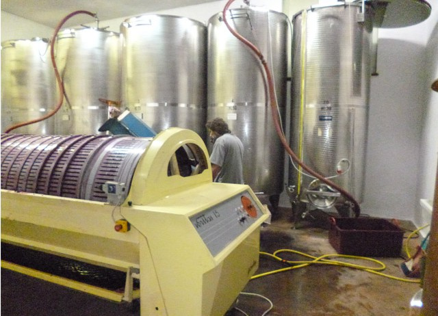 The stainless tank